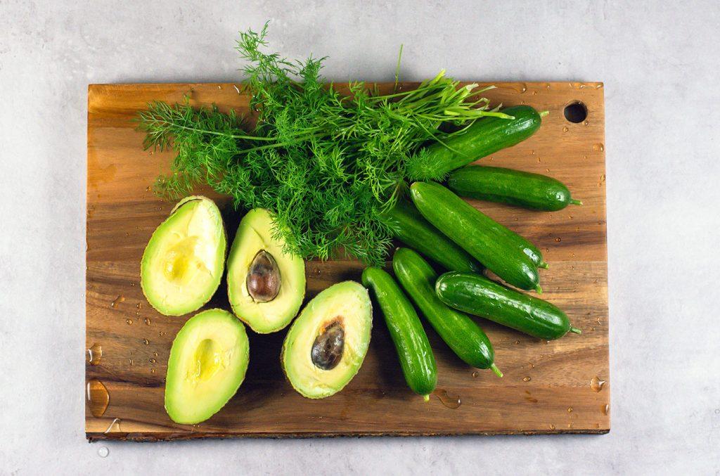 kurkku avokado tilli salaatti